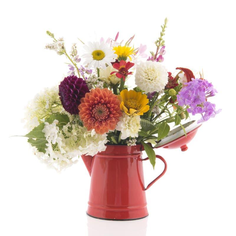 Blumenstraußmischgartenblumen lizenzfreie stockfotos
