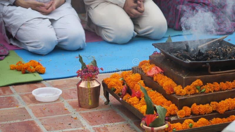 Blumenzeremonie stockbilder