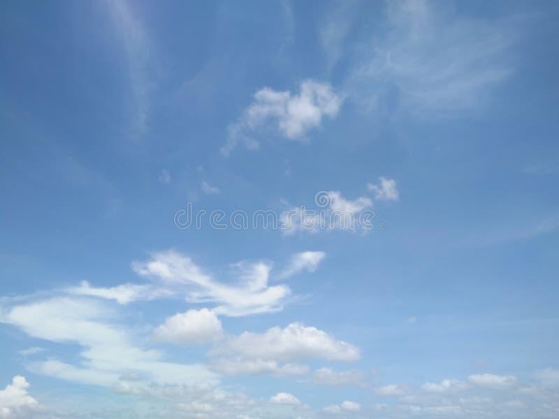 Blus sky met achtergrond van cloud royalty-vrije stock foto's