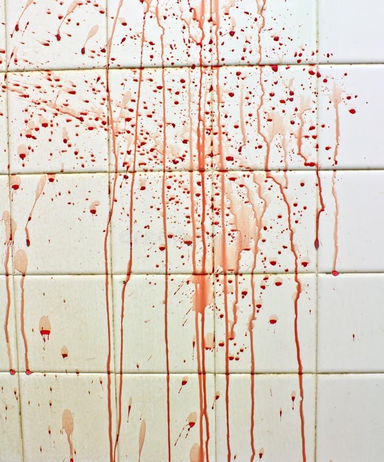 Blut mit Streifen auf Badezimmer stockfotografie