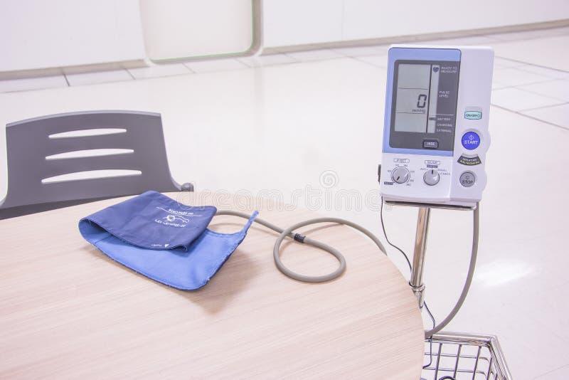 Blutdruck digital lizenzfreie stockbilder