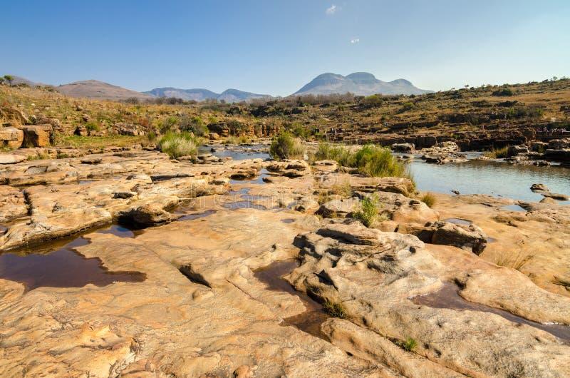 Blyde flodkanjon; Mpumalanga nära Graskop africa near berömda kanonkopberg den pittoreska södra fjädervingården arkivfoton
