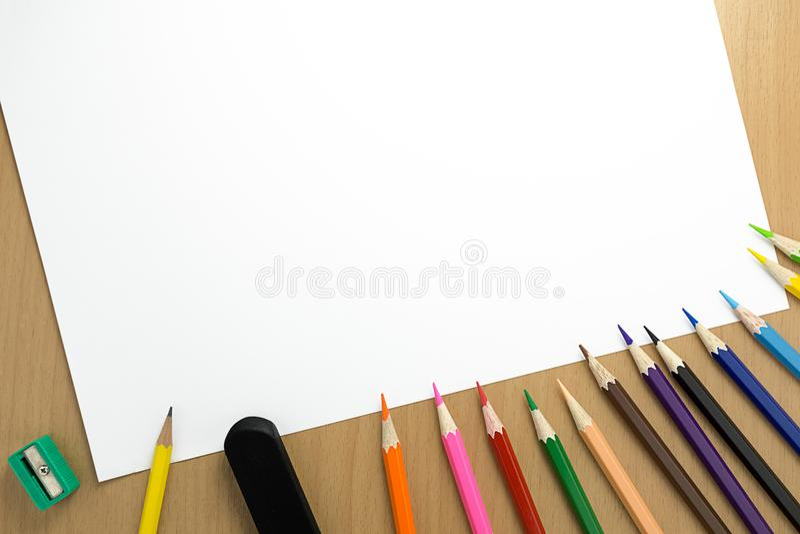 Blyertspenna och papper för bästa sikt arkivbild