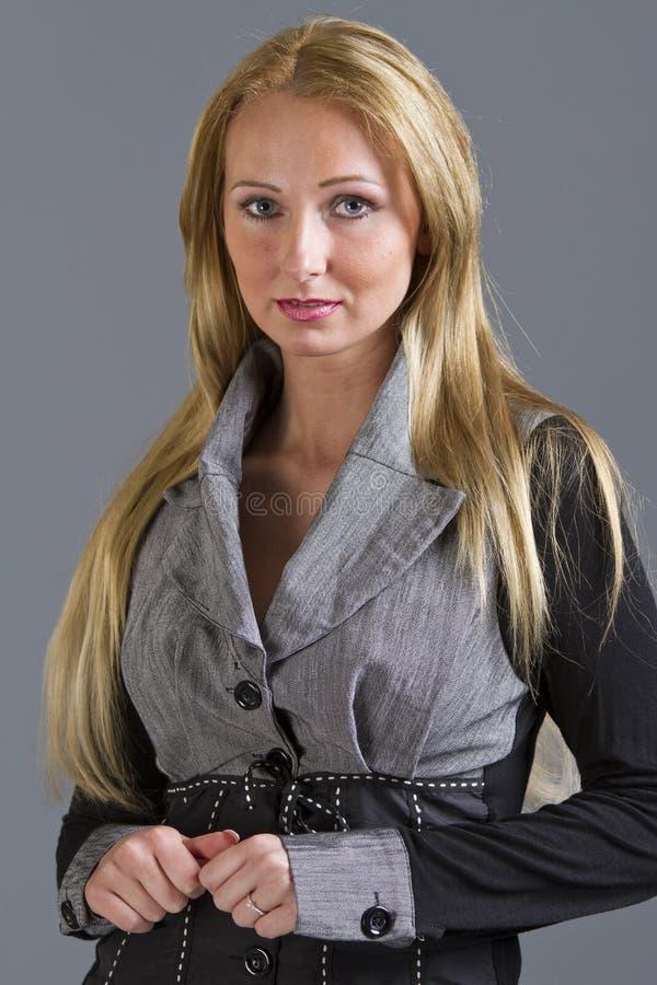 Blyg kvinna fotografering för bildbyråer