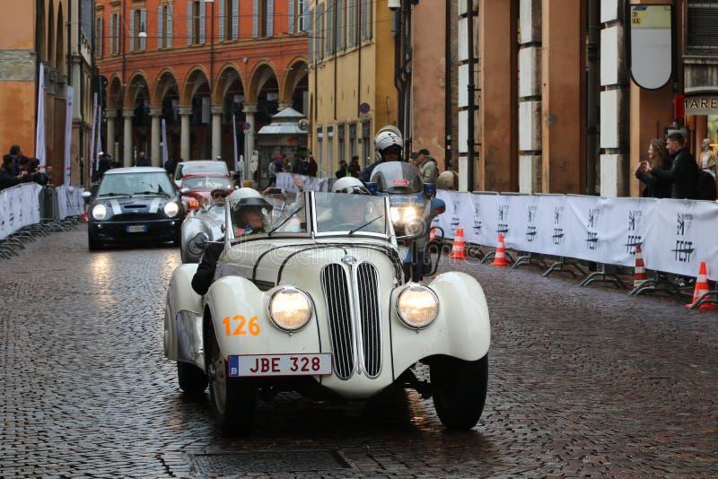 BMW汽车,Mille Miglia,历史的赛车,摩德纳,2019年5月 库存图片