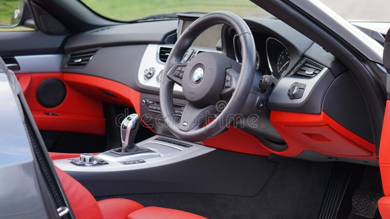 BMW跑车内部 免版税图库摄影