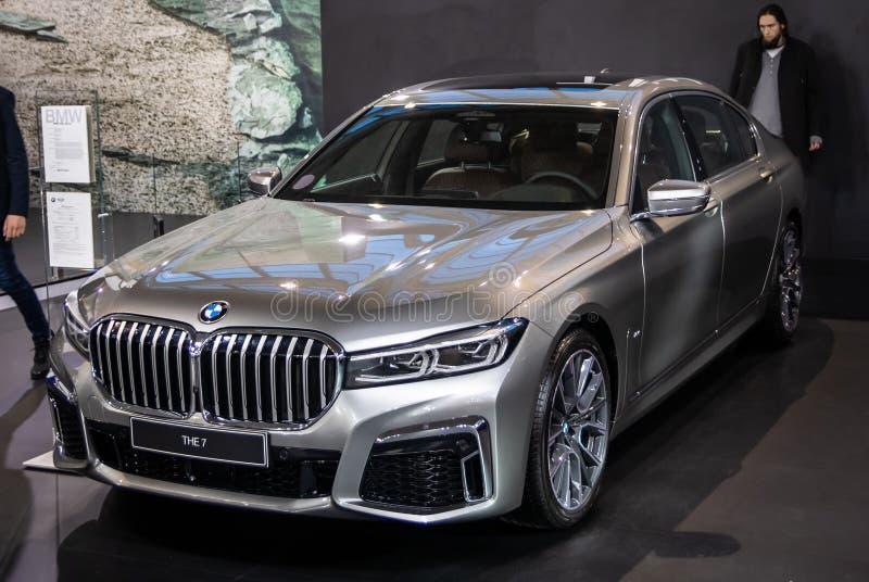 BMW 7 bij de internationale de auto en de motorshow van 54ste Belgrado stock afbeelding