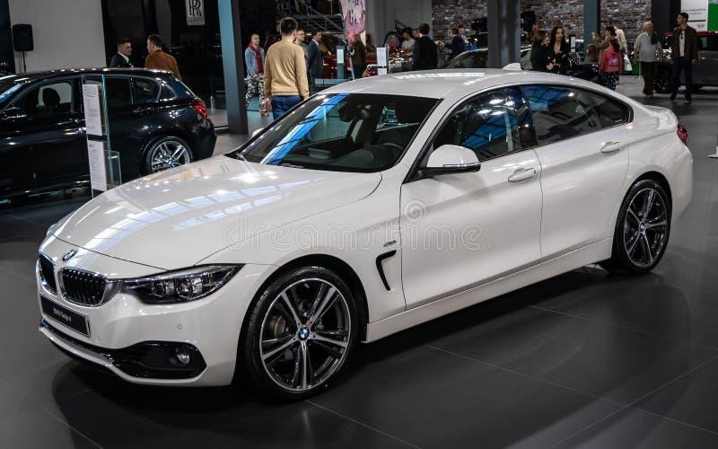 BMW 7 bij de internationale de auto en de motorshow van 54ste Belgrado stock foto's