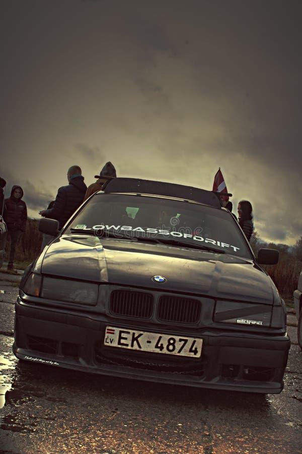 BMW E36 donker leuk Letland royalty-vrije stock afbeelding