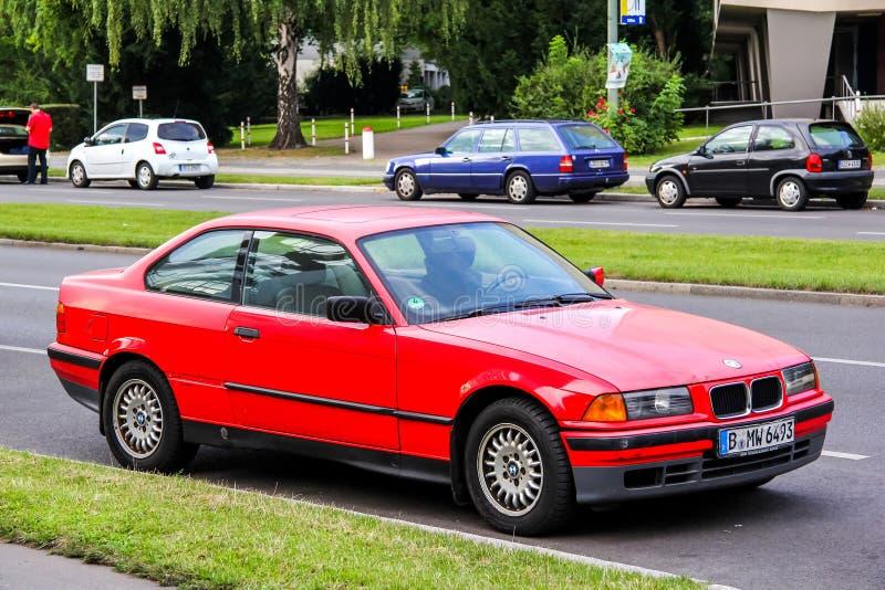 BMW E36 3-й серии. Берлин, Германия-15 августа 2014: автомобиль BMW E36 3-series at the city street стоковое изображение без роялти