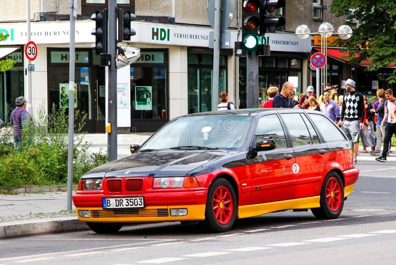 BMW E36 3-й серии. Берлин, Германия-16 августа 2014: автомобиль BMW E36 3-series in the city street стоковое изображение без роялти
