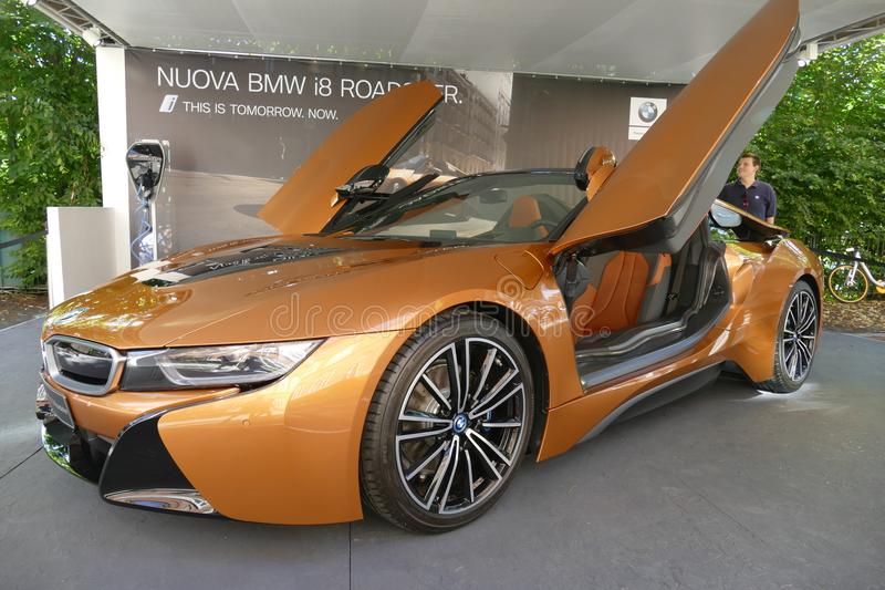 BMW i8 supercar Torino l'Italia 6 giugno 2018 immagine stock libera da diritti