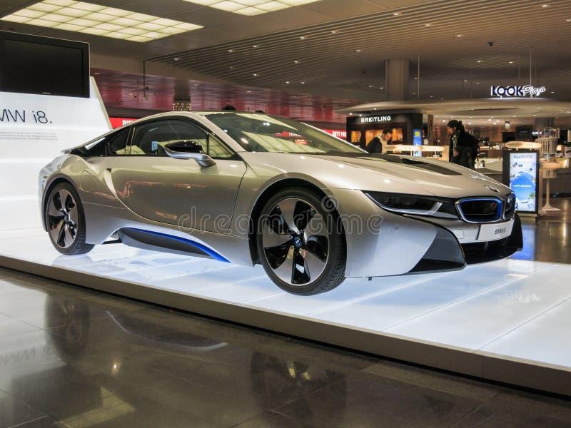 BMW i8 sur l'affichage photographie stock libre de droits