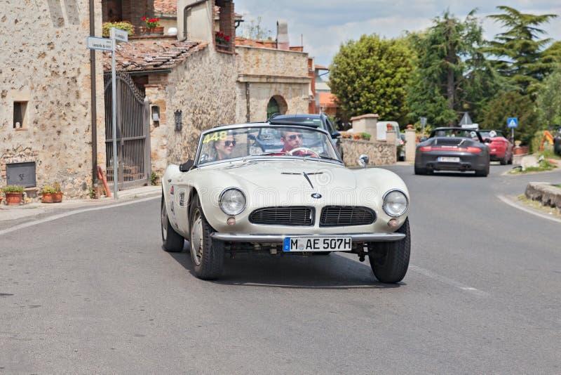 BMW 507 Krajoznawczy sport w Mille Miglia 2014 (1957) zdjęcia stock