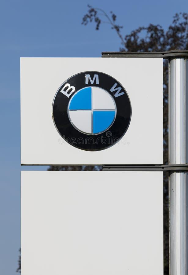 BMW-Logo auf der Pol stockbilder