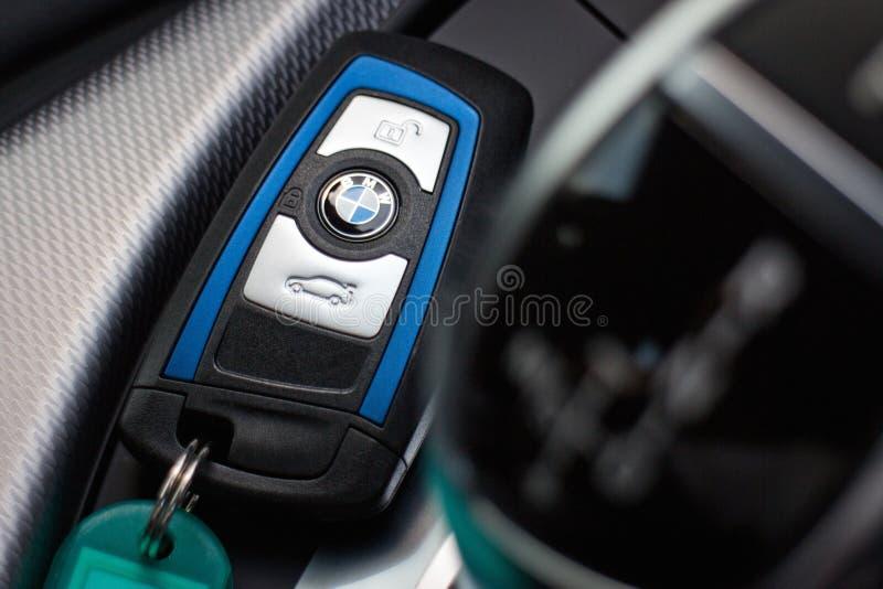 BMW M235i 2014年5月15日的汽车钥匙在香港 图库摄影