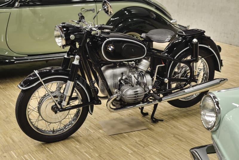 BMW R50 (1955) posto 2 pelo cilindro OHV - motor do pugilista foto de stock royalty free