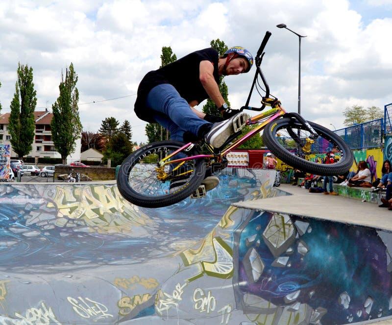 BMX空气barspin 图库摄影