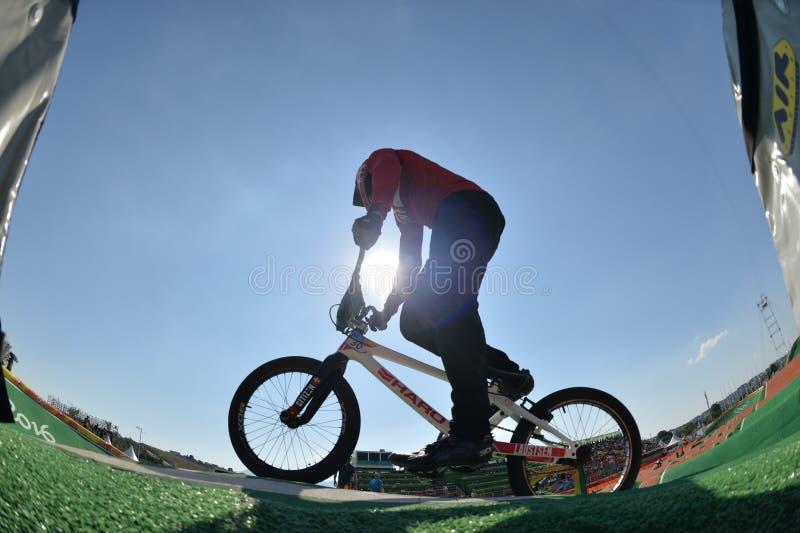 Download BMX 编辑类图片. 图片 包括有 自行车骑士, 面包渣, janeiro, 竞争, 体育运动, 骑自行车的人 - 103625375