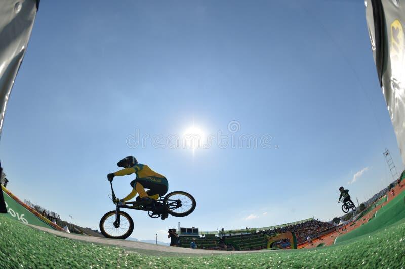 Download BMX 编辑类图片. 图片 包括有 天空, 骑自行车的人, 奥林匹克, 赛跑, 种族, 轮子, 重新创建 - 103625420
