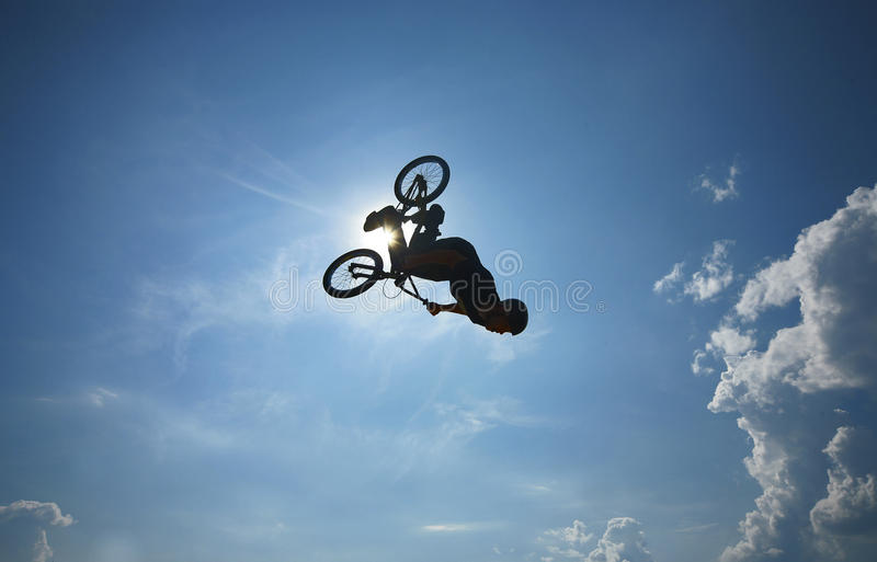 BMX-backflip royaltyfri bild