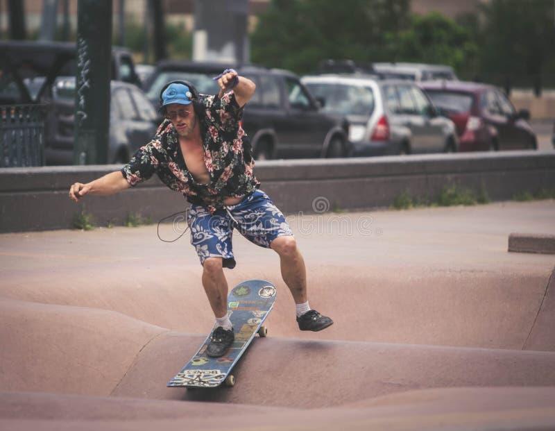 Bmx et planchiste de Denver Skate Park image libre de droits