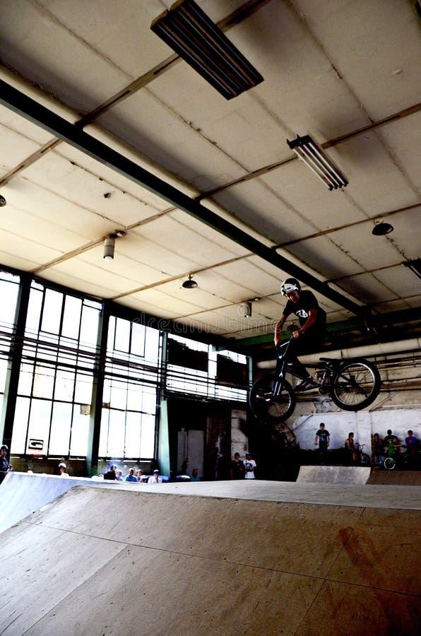 BMX jechać na rowerze jeźdzów obrazy royalty free