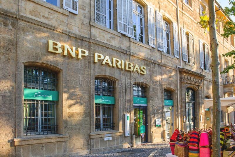 BNP Paribas estasia nella città affascinante del Aix immagine stock libera da diritti