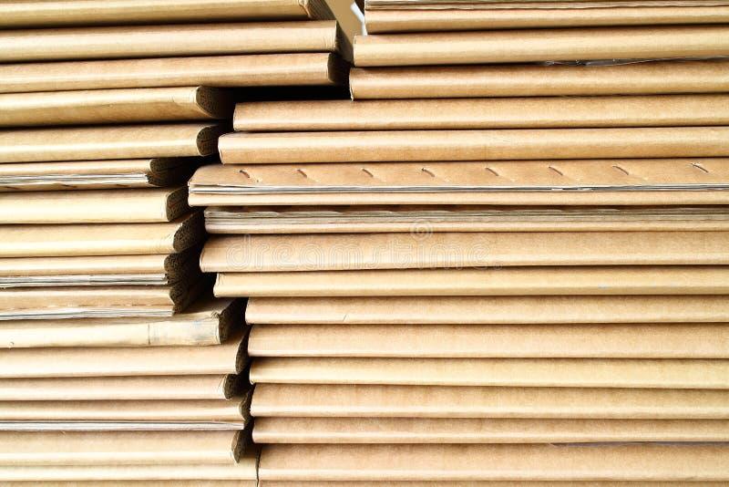 Boîte à palette de papier images stock