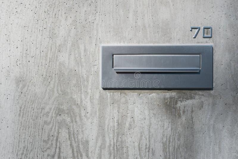 Boîte aux lettres à la maison inoxydable photo libre de droits