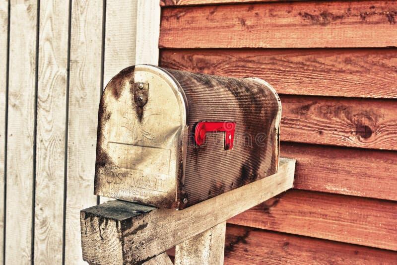 Boîte aux lettres de grunge de cru photo libre de droits