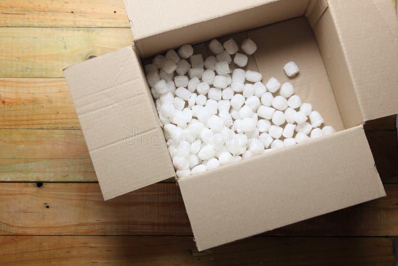 Boîte avec la mousse de styrol photo stock