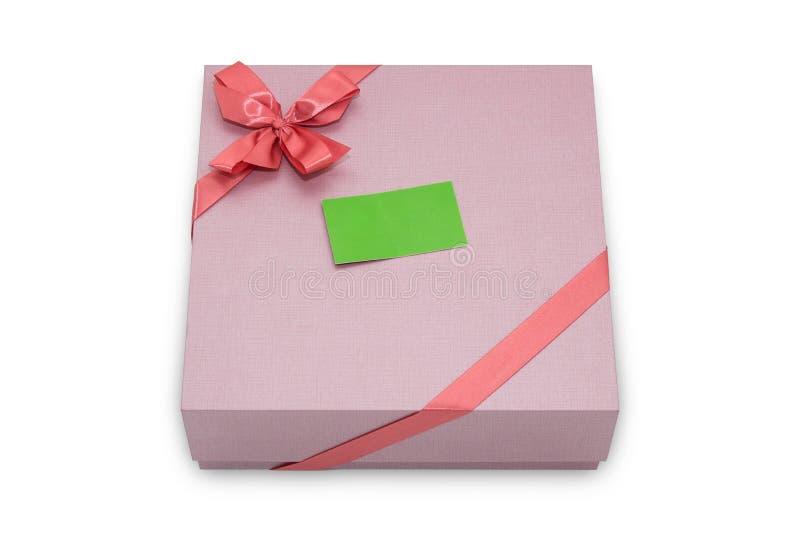Boîte-cadeau avec l'arc de ruban et l'étiquette de papier images stock