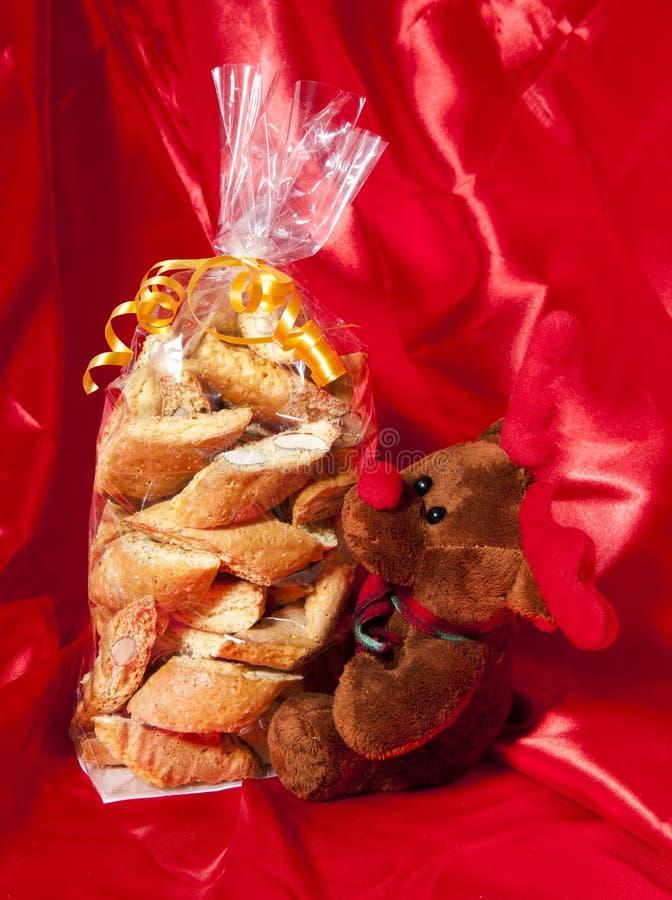 Boîte-cadeau de biscuits faits à la maison italiens photo stock