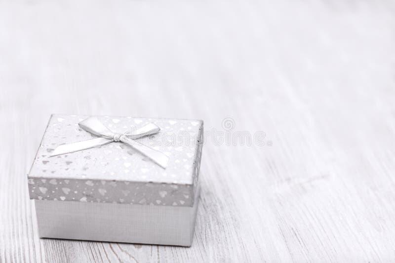 Boîte-cadeau de blanc de Noël photographie stock libre de droits