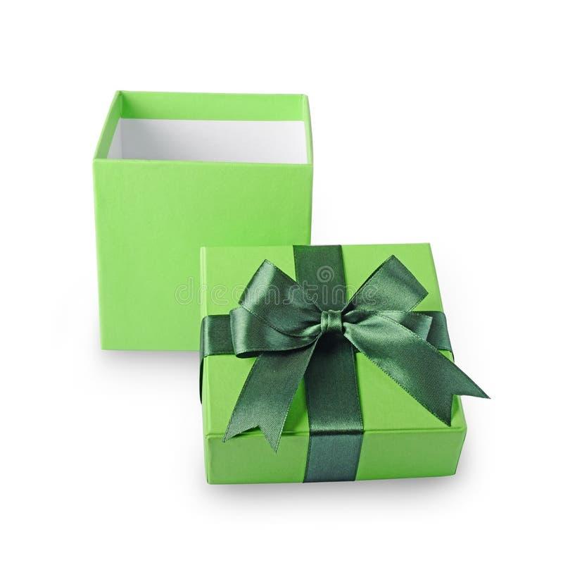 Boîte-cadeau ouvert de classique vert avec l'arc de satin photographie stock