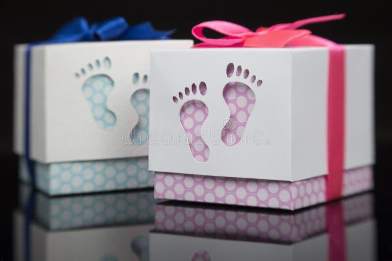 Boîte-cadeau pour le bébé image libre de droits
