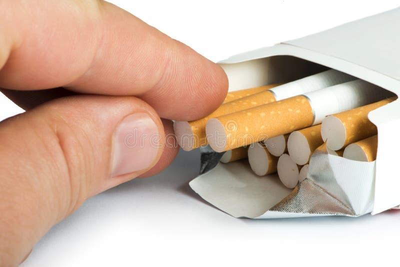 Boîte d'haut étroit de cigarettes images stock