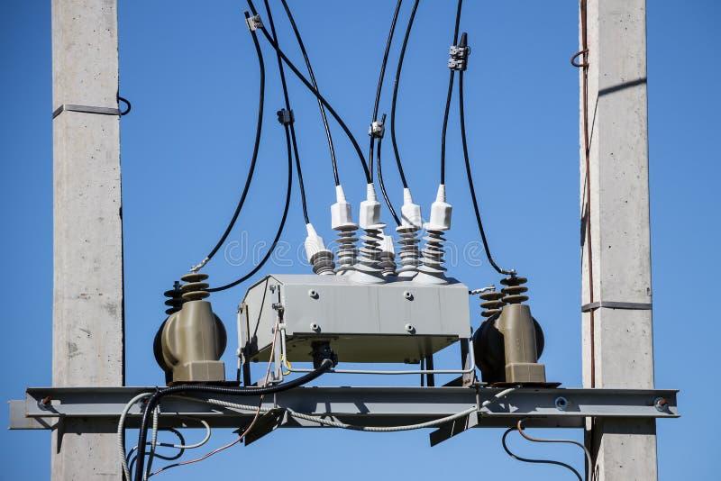 Boîte de jonction électrique avec des isolateurs image libre de droits