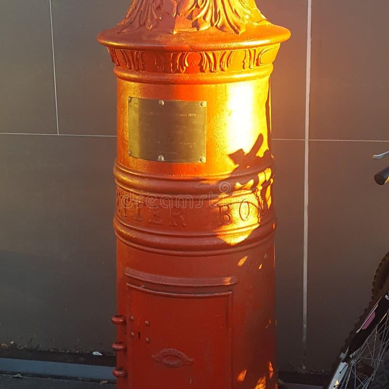 Boîte de lettre antique utilisée pendant les années entrées par à Newtown, Sydney, Australie photo libre de droits
