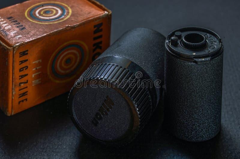 Boîte métallique de cartouche de film de Reloadable 35mm en métal de Nikon de cru Kalyan près de maharashtra de Mummbai photographie stock libre de droits