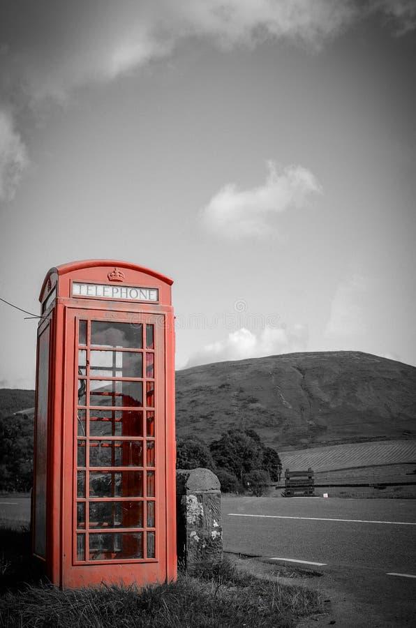 Boîte rouge de téléphone de campagne image stock