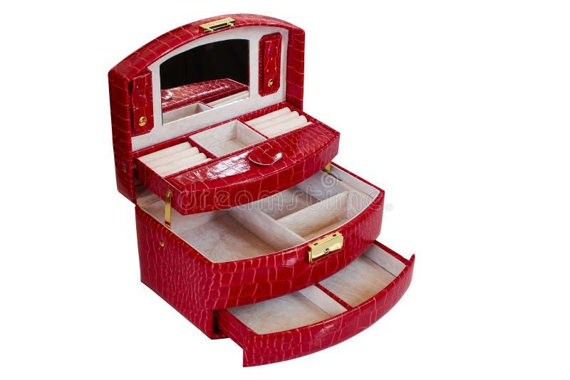 Boîte rouge pour bijoux féminins en cuir artificiel. Corbeille avec beaucoup de compartiments image libre de droits
