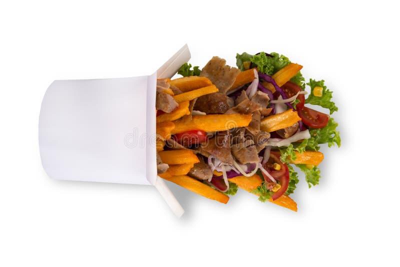 Boîte turque de chiche-kebab avec des pommes frites sur le fond blanc photographie stock libre de droits