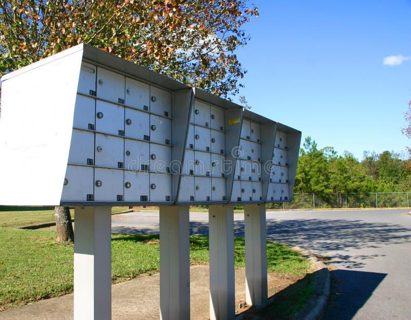 Boîtes aux lettres d'appartement photographie stock libre de droits