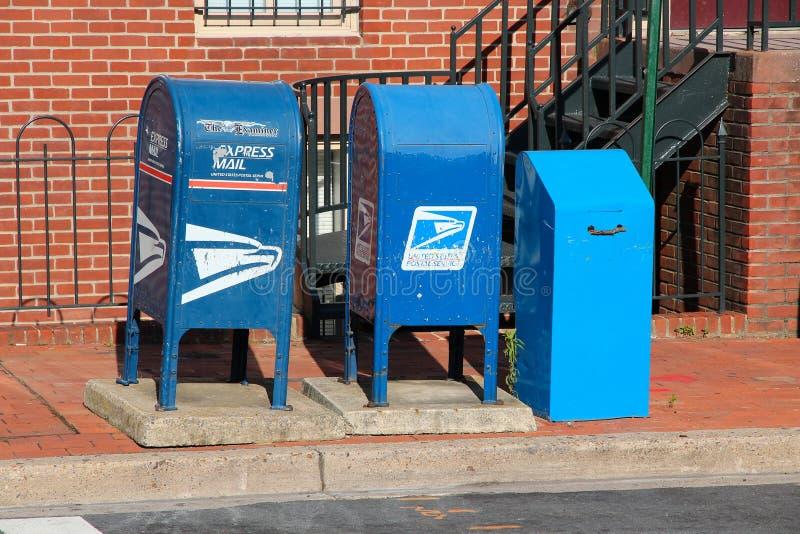 Boîtes aux lettres d'USPS image stock
