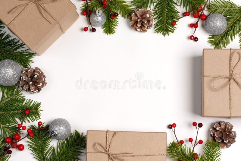 Boîtes cadeaux de Noël et décoration photo stock
