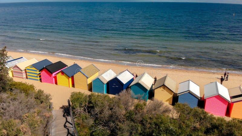 Boîtes de la plage de Brighton Beach, vue panoramique aérienne en hiver images stock