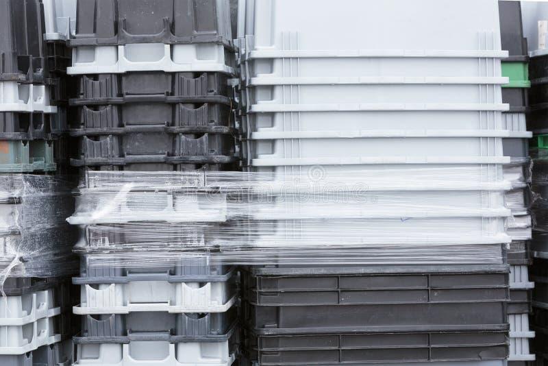 Boîtes en plastique d'emballage photos stock