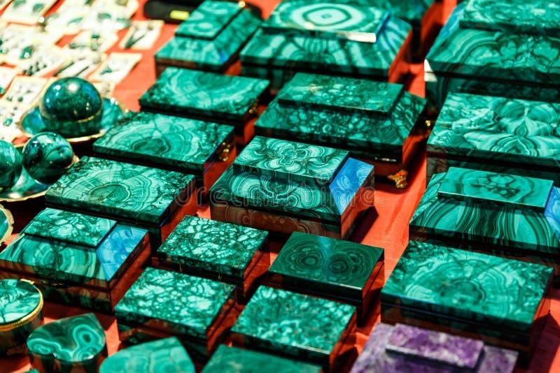 Boîtes et accessoires de malachite photographie stock libre de droits